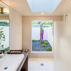 Midcentury Bathroom by Neumann Mendro Andrulaitis Architects LLP