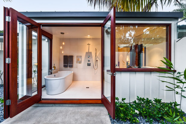 Tropical Bathroom by Neumann Mendro Andrulaitis Architects LLP