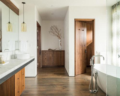 rustikale badezimmer mit bodengleicher dusche ideen f r. Black Bedroom Furniture Sets. Home Design Ideas