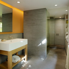 modern bathroom by Buttrick Wong Architects