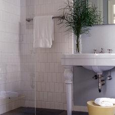 Beach Style Bathroom by Hickox Williams Architects, Inc.