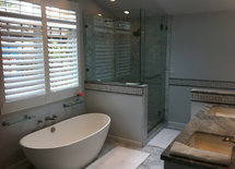 Could you please provide the dimensions of this bathroom and the model of the tub.