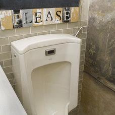 Bathroom by STEVE GRAY RENOVATIONS INC