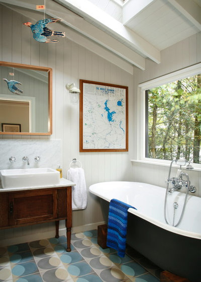 Traditional Bathroom by Egon Walesch Interiors & Flowers