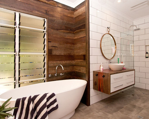 Beach House Master Bathroom Design Ideas, Remodels & Photos with Wood ...