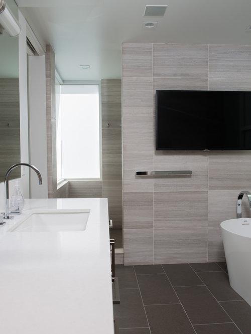 badezimmer mit laminat waschtisch und freistehender badewanne ideen design bilder houzz. Black Bedroom Furniture Sets. Home Design Ideas