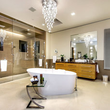 Modern Bathroom by mark pinkerton  - vi360 photography