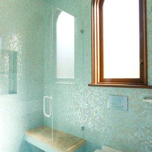 На фото: с высоким бюджетом маленькие ванные комнаты в средиземноморском стиле с инсталляцией, синей плиткой, плиткой мозаикой, плоскими фасадами, темными деревянными фасадами, полом из мозаичной плитки и врезной раковиной