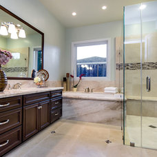 Eclectic Bathroom by mark pinkerton  - vi360 photography