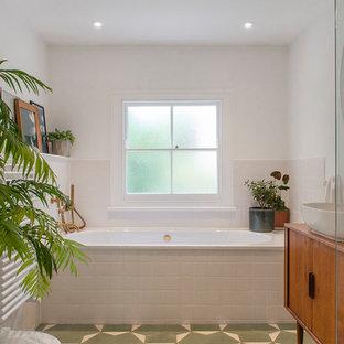 Calm bathroom with built in bath