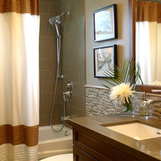 Contemporary Bathroom by r.design (Ra-me Interior Design)