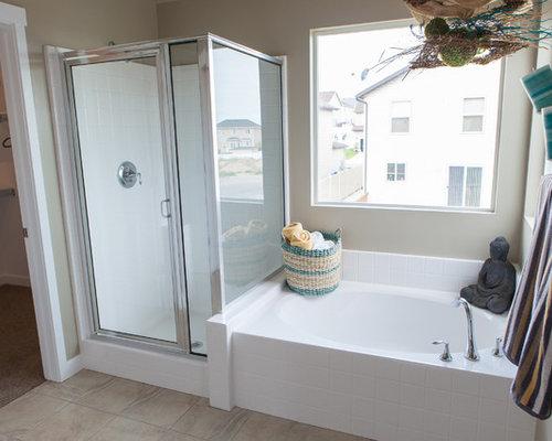 Salles de bains et wc craftsman avec une baignoire d 39 angle for Placard d angle salle de bain
