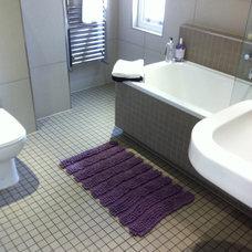 Contemporary Bathroom Cambridge project for Daniels Construction