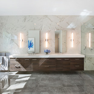 Inspiration for a contemporary bathroom remodel in Tampa