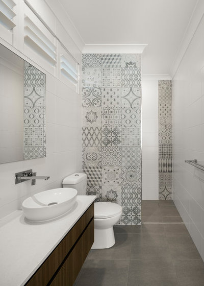 Contemporary Bathroom by D Pearce Constructions Pty Ltd