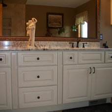 Traditional Bathroom by Lisa Ellis / Kitchen Advantage