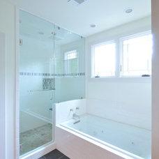 Craftsman Bathroom by Cynthia Karegeannes, Registered Architect