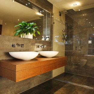 Salle de bain avec un carrelage marron Dorset : Photos et ...