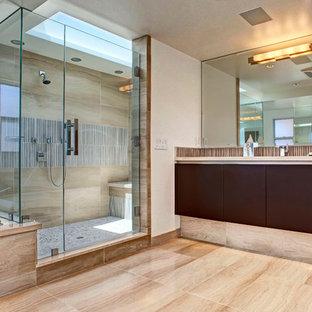 Alcove shower - contemporary alcove shower idea in Orange County