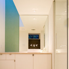 modern bathroom by Tom Hurt Architecture