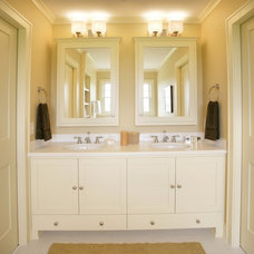 bathroom by Ron Brenner Architects
