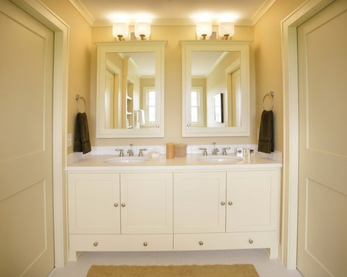 Jack and jill bathroom home design ideas pictures for Jack and jill bathroom with hall access