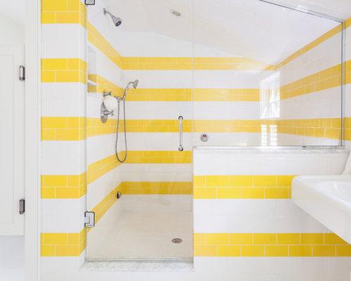 Salles de bains et wc avec un carrelage jaune photos et for Carrelage salle de bain jaune