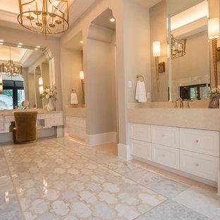 Bathroom photo in Orlando