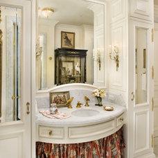 Bathroom by Linda L. Floyd, Inc., Interior Design