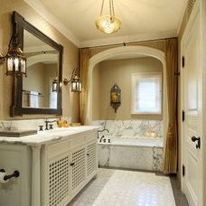 Mediterranean Bathroom by Evens Architects