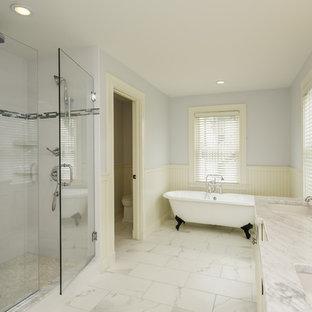 Design ideas for a modern bathroom in New York.