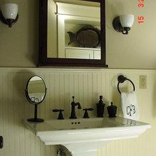 Craftsman Bathroom by JTR Contractors, Inc.