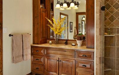Inside Houzz: Rich Wood Transforms a Dallas Bathroom