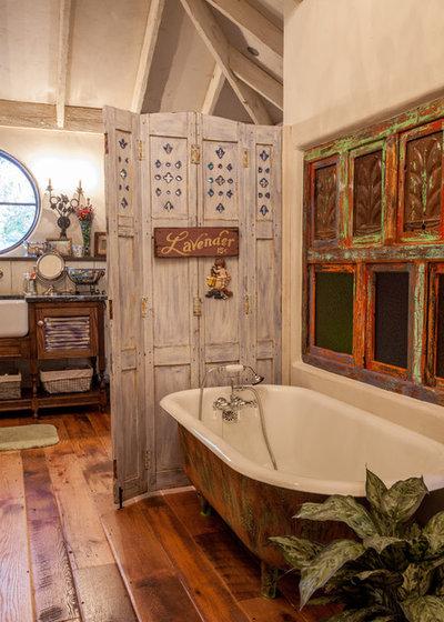 Shabby-chic Style Bathroom by Key Residential
