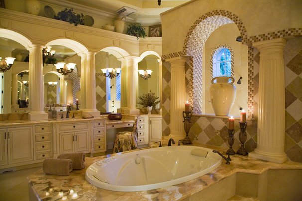 Traditional Bathroom by JMA INTERIOR DECORATION