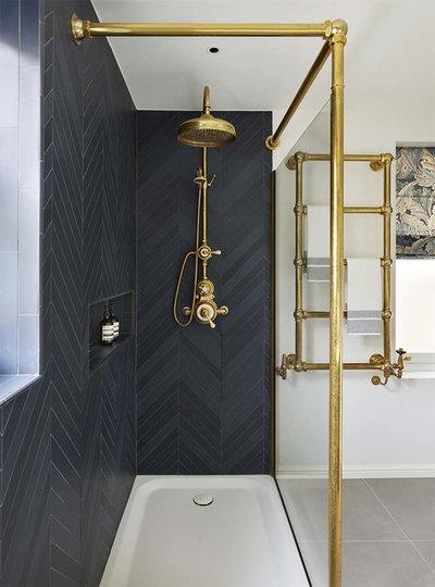 Clásico Cuarto de baño by Drummonds Bathrooms