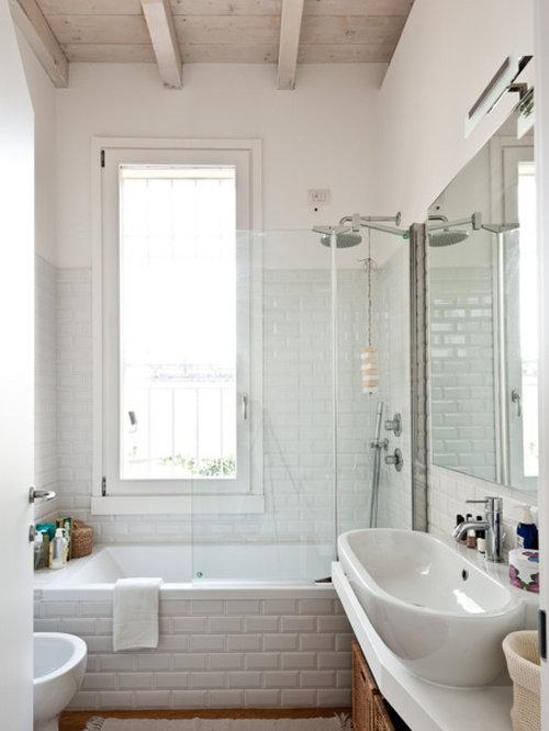 Foto e idee per bagni bagno classico - Piastrelle bianche bagno ...