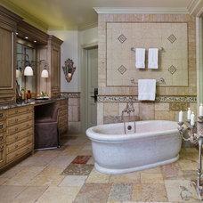 Mediterranean Bathroom by Montare Builders