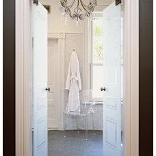 Traditional Bathroom by Hepworth + Howard, Inc.