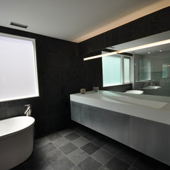 modern bathroom by MANION+MARTIN Architects, P.C.