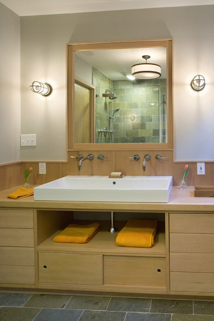Contemporary Bathroom by Hanson General Contracting, Inc.