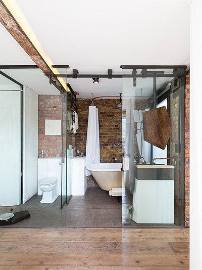 Лофт Ванная комната by Nathalie Priem Photography