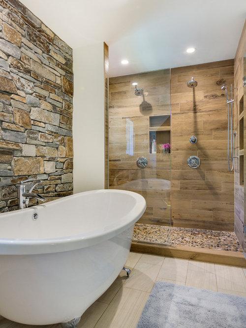 Salles de bains et wc montagne avec une baignoire sur for Salle de bain avec baignoire sur pied