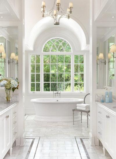 トラディショナル 浴室 by Amy Studebaker Design