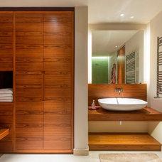 Contemporary Bathroom by Folio Design LLP