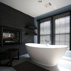 Modern Bathroom by Cynthia Murphy