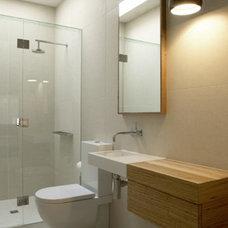 Modern Bathroom by Robson Rak Architects Pty Ltd