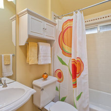 Transitional Bathroom by Seattle Staged to Sell LLC