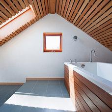 Contemporary Bathroom by Vertebrae Architecture