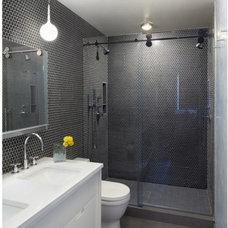 Modern Bathroom by Levelsmith